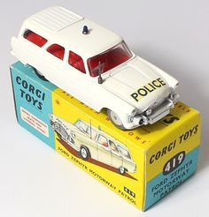 Corgi Toys 419 Ford Motorway Police Cruiser early version with matte white piaint Pic. courtesy of www.qualitydiecasttoys.com
