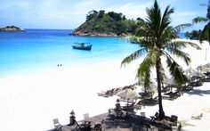 Looking for a fun-filled beach vacation, but dread the long flight? Malaysia has one of the best islands for short getaways! Check out the 10 exotic ones! Malaysia Tour, Malaysia Travel Guide, Vietnam Travel, Thailand Travel, Best Places To Travel, Places To Visit, Redang Island, Amazing Places On Earth, Exotic Beaches