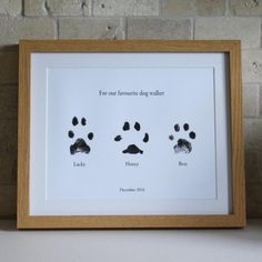 Dog Mom Discover Paw print picture (Print only) Pet gift idea Gift ideas for pets Pet lover Dog lover Pet gifts Keepsake Pet Keepsake Animal lover Paw print picture Print only Pet gift idea Gift ideas for Paw Print Crafts, Paw Print Art, Dog Crafts, Paw Prints, Animal Room, Gifts For Pet Lovers, Pet Gifts, Do It Yourself Decoration, Pet Paws