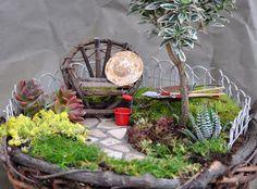 http://www.vitamin-ha.com/miniature-fairy-gardens-20-pics/