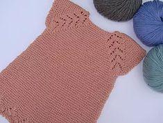 Many beautiful tutorials Knitting Crochet Dress Girl, Crochet Coat, Baby Girl Crochet, Baby Boy Knitting Patterns, Knitting For Kids, Knitting Videos, Crochet Videos, Wallpaper World, Baby Kind