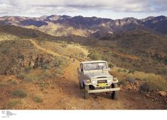 Driving the dirt roads of Arkaroola, Flinders Ranges.  Photo: SATC