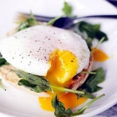 Cooking Eggs: How to Perfectly Poach an Egg