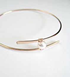 Solid Gold Jewelry, Rose Gold Jewelry, Modern Jewelry, Pearl Jewelry, Bridal Jewelry, Gold Jewellery, The Bangles, Gold Bangles, Diamond Bracelets