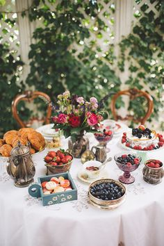 How To Have An Intimate Breakfast Wedding. All Photographed by Kelsea Holder Photography and designed by Mint Design.