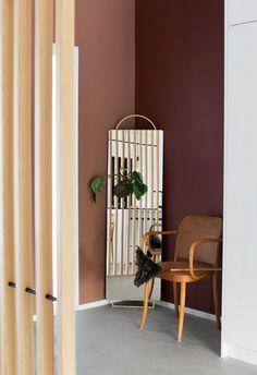 Australia-haave hävisi Nurmijärvelle: Elli ja Ristomatti piirsivät itse modernin talon ja rakensivat sen - Deko Gold Coast, Entrance, Divider, Australia, Heart, Room, Furniture, Home Decor, Deco