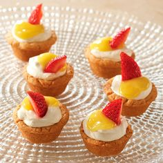 Lemonade Shortcake Cups - The Pampered Chef® These are so good, and it's easy to make your own lemon curd with this recipe: https://www.pamperedchef.com/pws/glendadennis/recipe/Desserts/American/Easy+Lemon+Curd/90730
