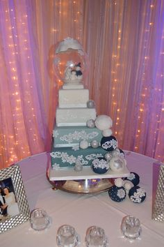 Winter Wonderland themed Wedding cake