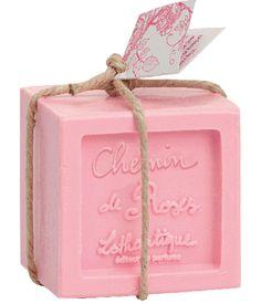 Savon cube 300 g 300 g - Chemin de roses Pink Love, Pretty In Pink, Cubes, Fashion Kids, French Soap, Rose Bonbon, Savon Soap, Decorative Soaps, Soap Supplies