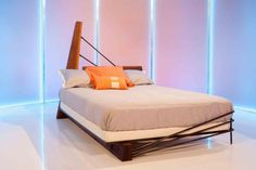 Check out the bed designs featured on HGTV's Ellen's Design Challenge premiere, then see what the judges thought of each design. Vivian's