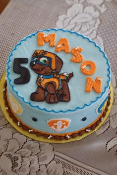 Country Cupboard Cakes: Paw Patrol Cake. From http://countrycupboardcakes.blogspot.com.