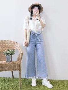 마리쉬♥패션 트렌드북! Korea Fashion, Asian Fashion, Fashion Women, Clothing Photography, Seasons Of The Year, Kawaii Clothes, Korean Style, Dress Up, Ootd