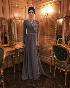 - Vous êtes à la bonne adresse pour Mode ados garc. Tesettür Gelinlik Modelleri 2020 - Tesettür Modelleri ve Modası 2019 ve 2020 Hijab Prom Dress, Hijab Gown, Hijab Evening Dress, Muslim Dress, Evening Dresses, Dress Brokat, Kebaya Dress, Muslim Fashion, Hijab Fashion