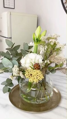 Fake Flowers, Diy Flowers, Flower Vases, Flower Decorations, Beautiful Flowers, Wedding Decorations, Table Decorations, Vase For Flowers, Flower Arrangements Simple