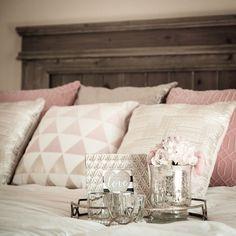 Pretty bed #diybed #rusticchic #interiordecor #bed #masterbedroom #interiorstyling #interiordesign #pillows #bedroom #pastels #homedecor #pretty #gold #romanticbedroom