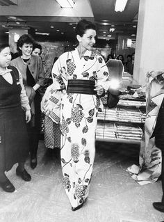 Audrey Hepburn tries a summer kimono and poses at a department store in April 1983 in Kyoto, Japan.
