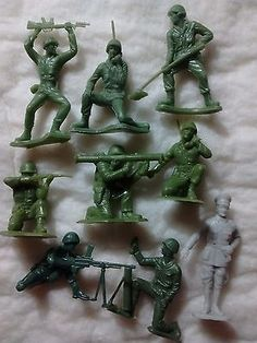 Vintage MARX Toy Soldiers Battleground Europe Play Set Plastic Army Men Lot - http://hobbies-toys.goshoppins.com/vintage-antique-toys/vintage-marx-toy-soldiers-battleground-europe-play-set-plastic-army-men-lot/