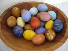 Natural easter eggs - such pretty colors happen with eggs too!