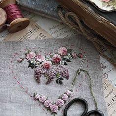 Добрый день, мои друзья! Мой новый проект ☺️ . . . #вышивка #embroidery #embroideryart #бразильскаявышивка #flowers #embroideryartist #рукоделие #crossstitch #broderie #рококо #bordado #needlepoint #country_stilllife