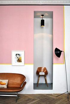 Jean-Christophe Aumas' Paris Apartment featuring an amazing Swan sofa Interior Flat, Cafe Interior, Interior Door, Interior And Exterior, Interior Paint, Interior Bohemio, Interior Decorating, Interior Design, Decorating Games