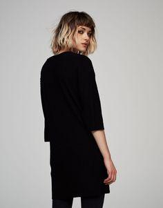 Prążkowana sukienka z krótkim rękawem - Promocje - Dla Niej - PULL&BEAR Polska