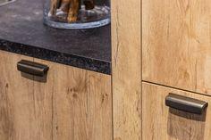 handgrepen voor een Landelijke keuken    DB Keukens Cupboard, Door Handles, Kitchen, House, Home Decor, Google, Modern, Ideas, Clothes Stand