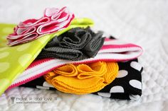 DIY knit baby hats and blanket!  Would make such an adorable gift!