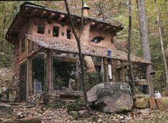 Beautiful cob house / straw bale house / The Green Life <3