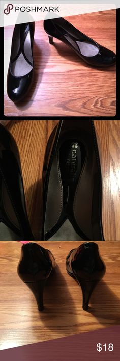 Naturalizer Black Heels These Naturalizer size 8.5 faux patent heels are super comfy with the N5 comfort system. Heel height: 3.5 inches. Gently worn with some scuffing, see photos. Great shoes for the work day or a night out! Ship same or next day from a smoke free home. Naturalizer Shoes Heels