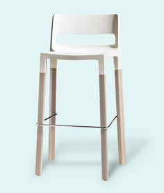 Divani Natural Bar Stool In White By Impaczone