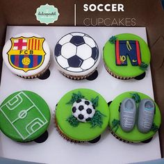 Super cake pops ideas for men recipes for ideas Soccer Birthday Cakes, Cupcakes For Men, Football Cupcakes, Soccer Cake, Football Birthday, Cake Recipe For Decorating, Wilton Cake Decorating, Cupcake Fondant, Cupcake Cookies
