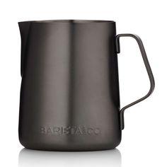 Barista & Co Melkkan 0,34 L gun metal Hoe die barista's de melk in een boom of hartje gieten, dat kun jij nu ook! Met deze prachtig glimmende melkkannen van Barista & Co maak je perfect opgeschuimde melk voor je cappuccino of latte.      Gemaakt van RVS, opgeborsteld RVS aan de binnenzijde     Afmetingen: H 9,5 x B 10 x D 7,6 cm     Met een inhoud van 340 ml     Eenvoudig met de hand te reinigen