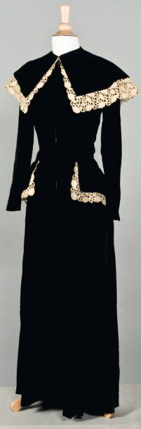 Bruyere, Haute couture, circa 1940 <3 | via Cornette de Saint Cyr, Paris