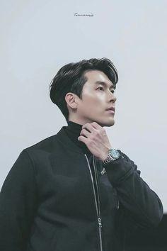 You're a handsome things ♥️ Hyun Bin, Handsome Actors, Handsome Boys, Drama Korea, Korean Drama, Asian Actors, Korean Actors, Pretty Men, Beautiful Men