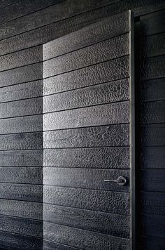 Modern Texas Prefab using charred wood siding Aamodt/Plumb Architects, Cambridge MA and Austin TX Houses In Austin, Austin Homes, Austin Texas, Wood Siding, Wood Paneling, Barn Siding, Exterior Siding, Hotel In Den Bergen, Haus Am See