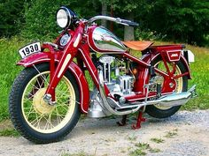 1929 Jawa Rumpál, the first production Jawa motorcycle American Motorcycles, Cool Motorcycles, Vintage Motorcycles, Indian Motorcycles, Triumph Motorcycles, Vintage Cycles, Vintage Bikes, Scooters, Motos Retro