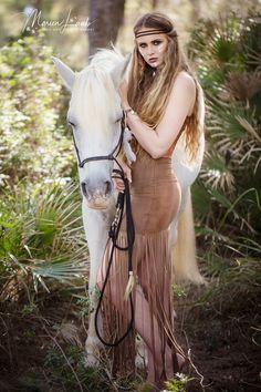 Pferde Shooting #horse #whitehorse #mallorca #photoshooting #horseshooting #portrait #beauty #shooting #model #calaratjada #ranchobonanza