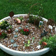 Homemade fairy garden! For my mom!