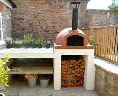 An outdoor kitchen can be an addition to your home and backyard that can completely change your style of living and entertaining. Oven Diy, Diy Pizza Oven, Pizza Oven Outdoor, Outdoor Cooking, Brick Oven Outdoor, Four A Pizza, Wood Fired Oven, Wood Fired Pizza Ovens, Bbq Area