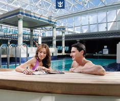 #royalfun Não importa o tempo lá fora: a  piscina coberta do Solarium é sempre uma ótima opção! :)