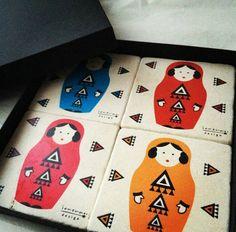İonera Design tasarimi bardak altliklari yolda #lunaparkshop #lunaparktasarim #turkishverymuch #galata #galatatower #serdariekrem #conceptstore #giftstore #designer #istanbul #shopping #traditional #gift #handmade #bloggers #fashionbloggers #style #ioneradesign#coasters #matruska#illustration #turkishdesigners