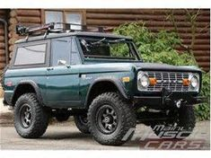 old ford trucks Classic Bronco, Classic Ford Broncos, Ford Classic Cars, Classic Chevy Trucks, Old Ford Bronco, Early Bronco, Bronco Truck, Bronco Ii, Ford Motor Company