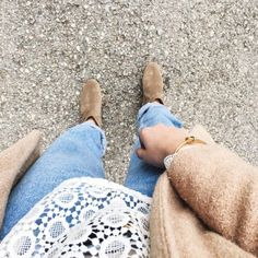 tifmys – Lace shirt: H&M   Jeans: Vintage Levi's   Bracelet: Céline knot   Boots: Isabel Marant Dicker