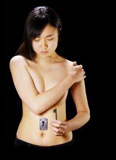 My Body My Rights: Una campaña de la artista Hikaru Cho con un body painting muy sugerente contra la explotación y el abuso sexual.