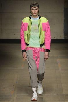 Topman Design Fall 2017 Menswear Fashion Show Vogue Paris, London Fashion Week Mens, Mens Fashion, Fashion Books, Fashion Show, Fashion Tips, Dolly Fashion, Street Style Edgy, Mens Fall