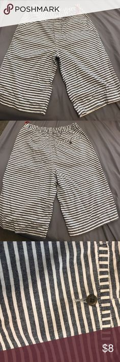 NWOT Old Navy Shorts Size 16 NWOT Old Navy Shorts Size 16 Old Navy Bottoms Shorts