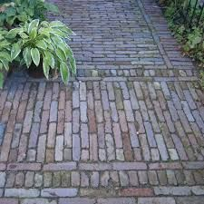 impression look brick paving Outdoor Paving, Garden Paving, Garden Paths, Garden Landscaping, Love Garden, Dream Garden, Home And Garden, Dutch Gardens, Small Gardens