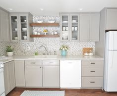 Gray + White Kitchen Remodel Centsational Girl remodeled her grandmother's kitchen with Formica® Laminate Carrara Bianco with IdealEdge™. Click through to see the entire process! Condo Kitchen, Kitchen Redo, Kitchen Flooring, New Kitchen, Kitchen Ideas, Kitchen Designs, Basic Kitchen, 1950s Kitchen, Kitchen Themes