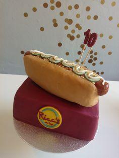 Meine erste Torte! Der süßeste Hot Dog der Welt.
