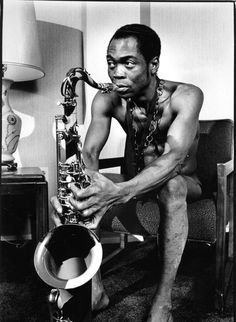 FELA KUTI. 1938 - 1997. The only man who can challenge James Brown for title of The Undisputed Rhythm King. Also an icon for feminists all over the world. Ha ha ha!